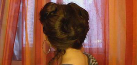 Романтическая для коротких и средних волос