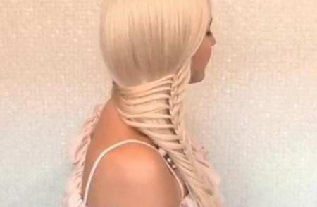 Стильная коса набок