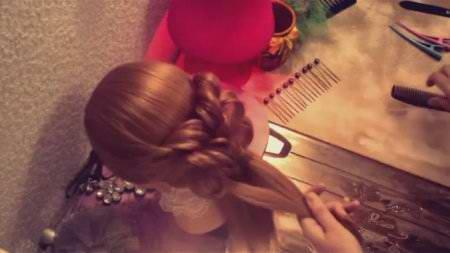 Причёска с применением резинок