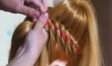 Прическа пучок с косой